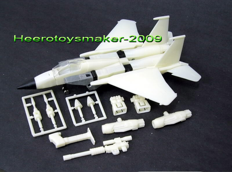 Generation 1 TFC 9 Starscream prototype from Heerotoymaker