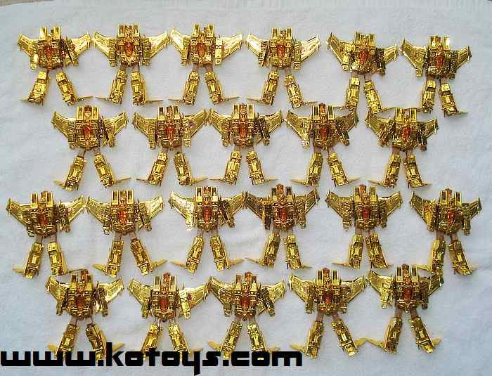 Gold KO Classics Starscreams