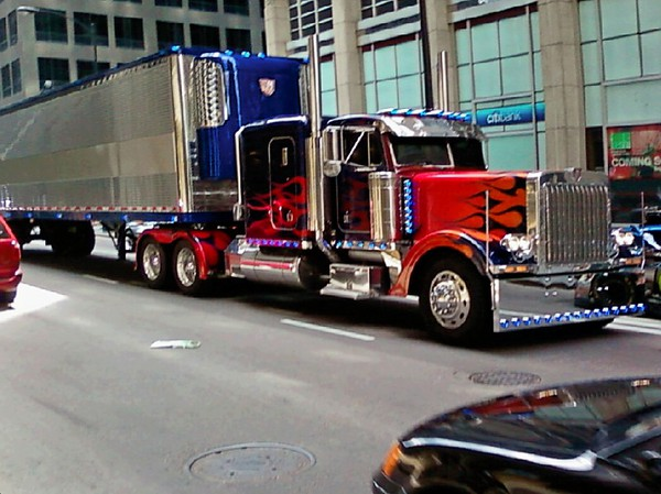Transformers 3 optimus prime with trailer in downtown chicago