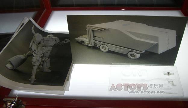 Hardcopy images of Masterpiece Rodimus Convoy