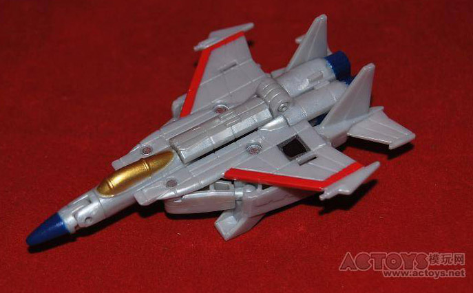 Transformers Legends G1 Starscream jet mode