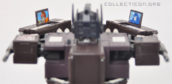 Masterpiece MP4S Convoy Sleep Mode arm communicators