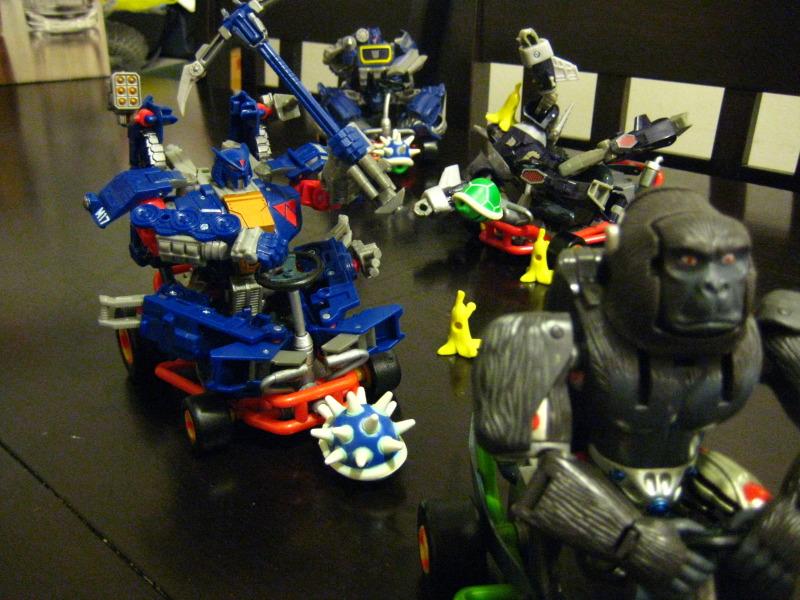 Transformers Mario Kart Straxus
