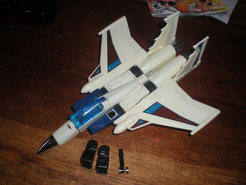 White 4Star Starscream seeker knock off jet