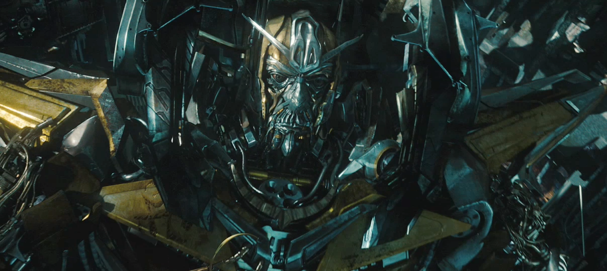 Yellow robot in Transformers 3 trailer