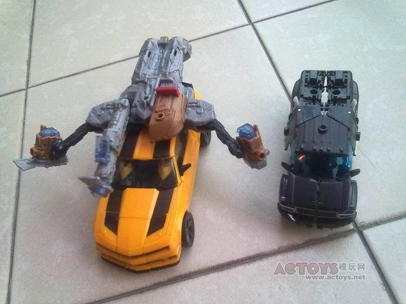 Dear Hasbro: Please, no more bumblebees please!