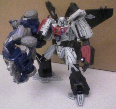 War for Cybertron Megatron with Soundwave claw