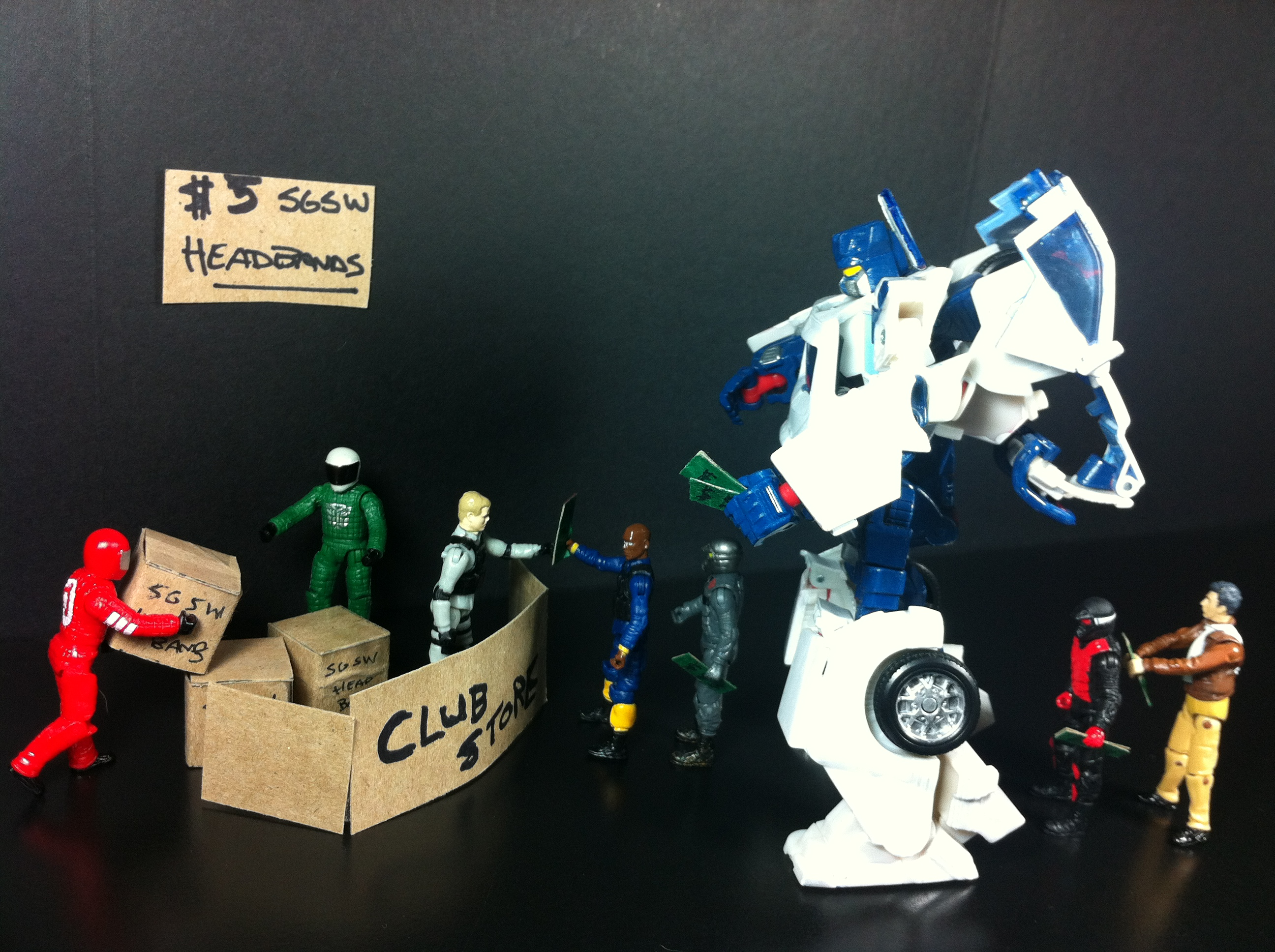 SG Soundwave waits in line for his headband at Botcon 2012