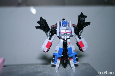 transformers-legends-jetfire-combined-optimus-prime-toy