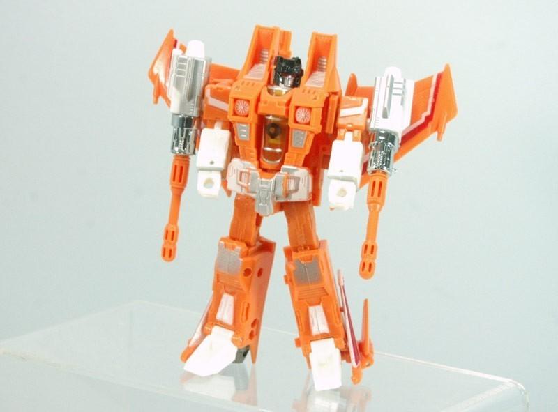 ko-classics-sunstorm-robot