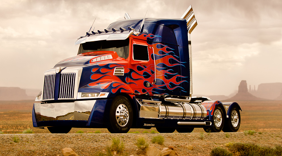 New Optimus Prime revealed from the set of Transformers 4 – Flame overload