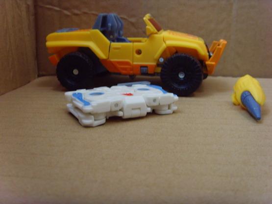 Botcon 2010 Yellow Shattered Glass Hound and White SG Ravage