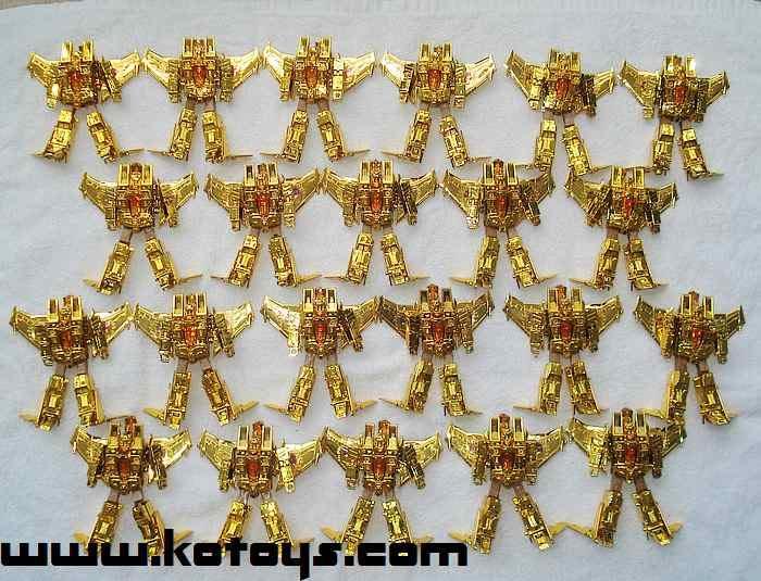 Gold Classics Starscream parade