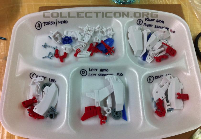Botcon 2011 Animated Minvera parts in tray