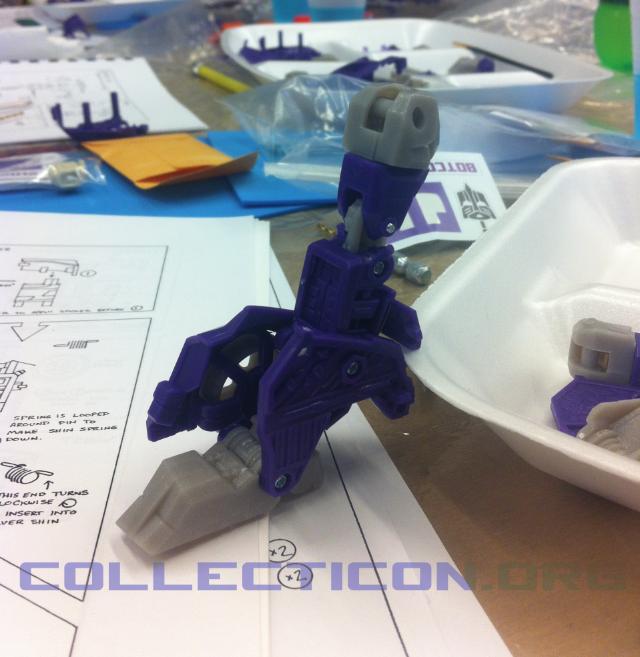 Transformers Shattered Glass longarm leg purple