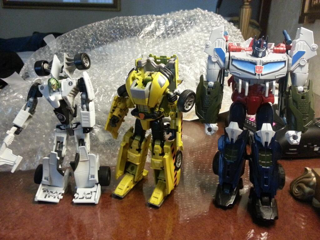 botcon-2013-machine-wars-optimus-prime