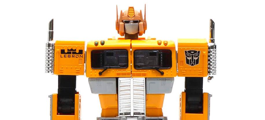 Transformers Masterpiece MP-10ASL Convoy (Atmos Safari Lebron Ver.) Robot