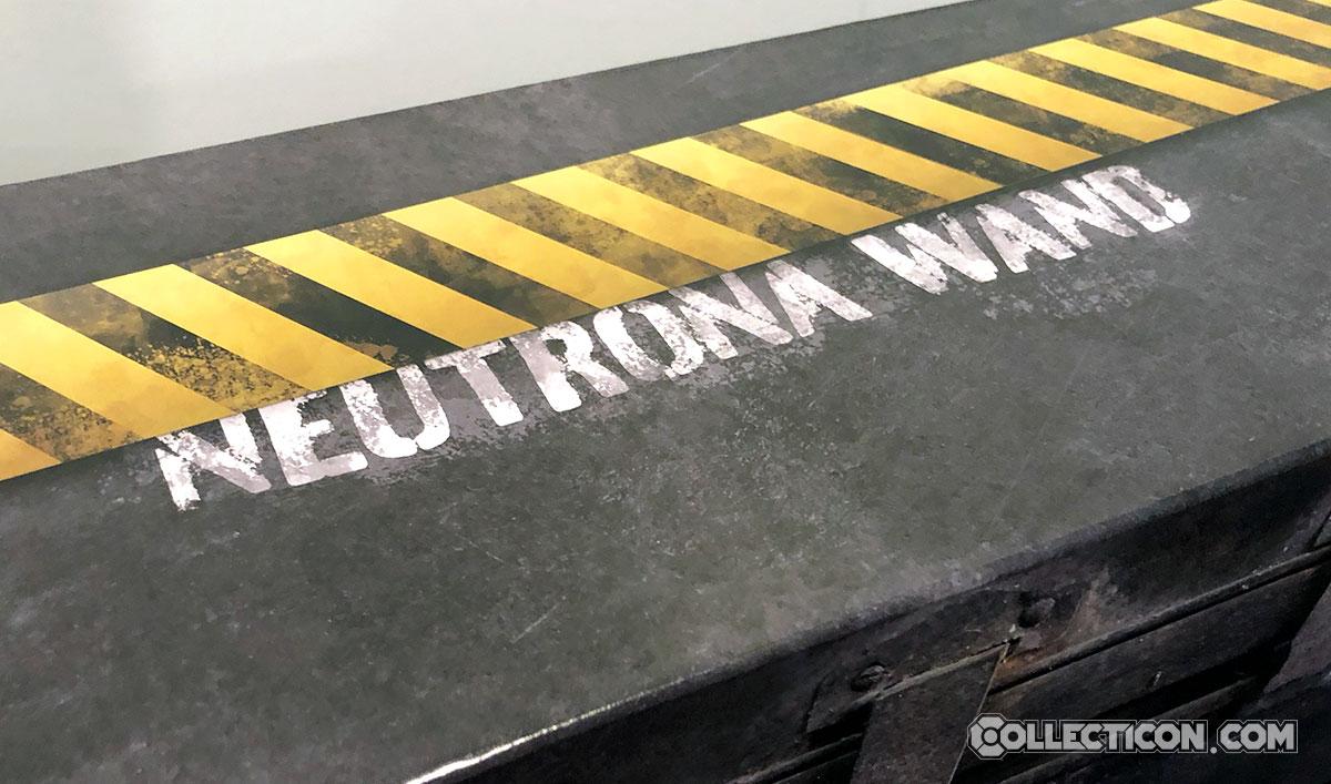 Ghostbusters Plasma Series Egon's Neurtrona Wand box package top